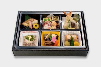 箱膳「いろどり」3,000円(税別)