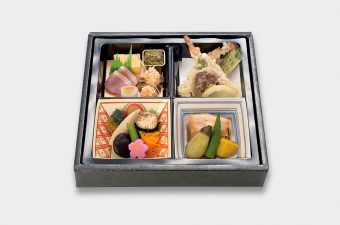 箱膳「あじわい」2,000円(税別)